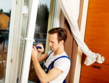 bigstock Young handyman repair window w 123413414 300x207 1 - Installations